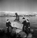 British solidier with the little mermaid, Copenhagen, Denmark 1945 by Lee Miller