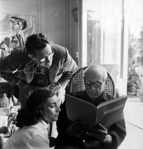 Jacequeline Roque, Roland Penrose and Picasso, villa la Californie, Cannes, France 1957 by Lee Miller